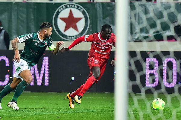 Photo prise le 9 décembre 2016 lors du match entre le Red Star et Valenciennes (Ligue 2).