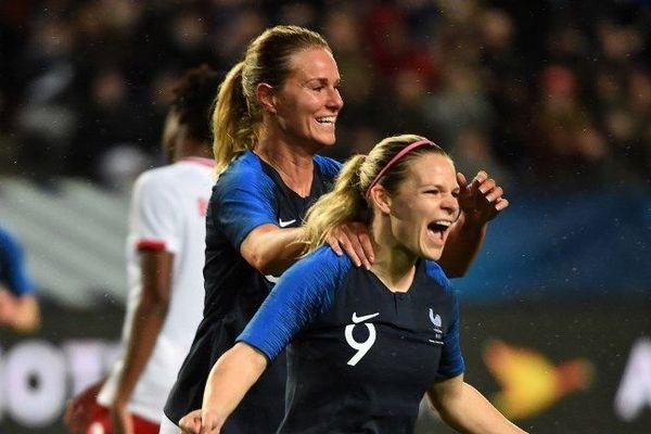 Eugénie Le Sommer et Amandine Henry (archives avril 2018) - Les deux joueuses de l'Olympique Lyonnais figurent dans la sélection de Corinne Diacre, sélectionneure des Bleues