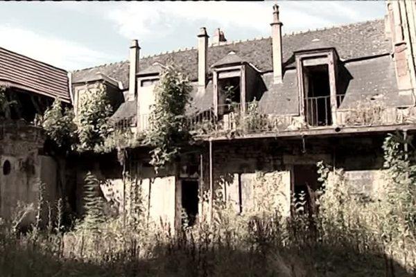 Un ancien hôtel désaffecté au coeur de Nevers