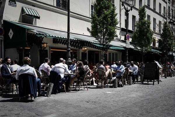 Les bars parisiens vont-ils devoir fermer en raison de la Covid-19?