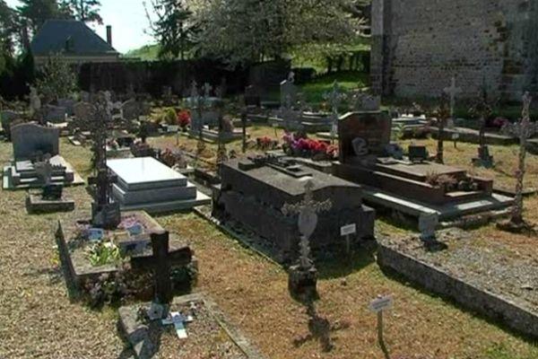 Le cimetière d'Autheuil, dans l'Orne
