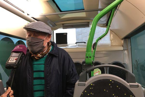 Bernard, premier vacciné de Vaudesincourt, au micro de notre collègue de Champagne FM.