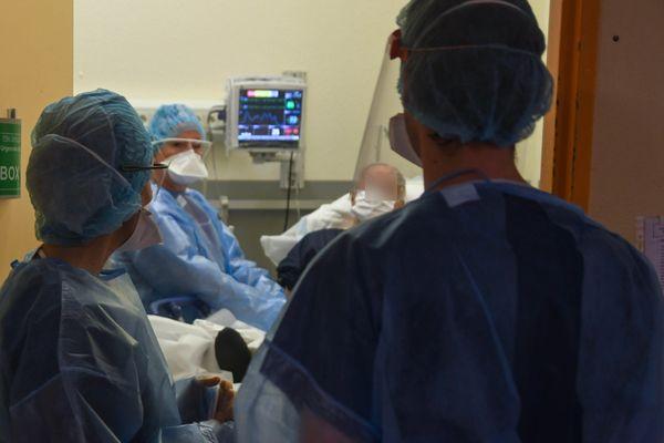 Face à l'épidémie de Covid-19, les services de réanimation d'Ajaccio et de Bastia (ici sur la photo, le 23 avril 2020) sont à risque de saturation.