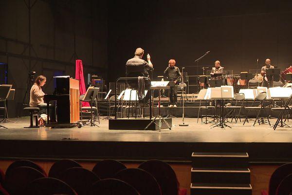 Les grands airs de l'opéra seront interprétés par trois solistes et l'Orchestre du Limousin.