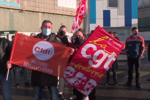 Rassemblement des salariés Vallourec de Déville-lès-Rouen le 19 novembre 2020 après l''annonce de la fermeture de leur usine