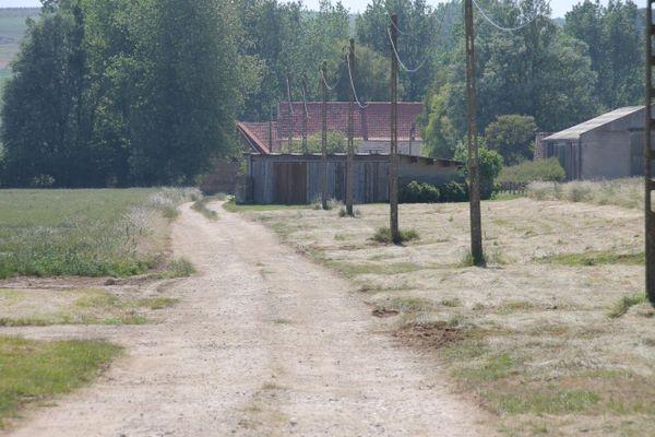 Les chasseurs allemands Messerchmitt empruntaient cette allée pour circuler sur l'aérodrome d'Audembert.
