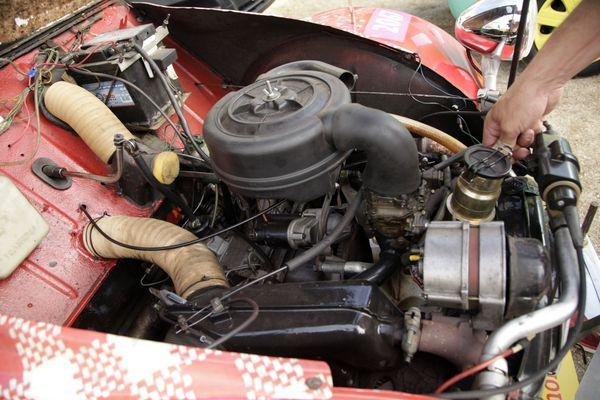 Le moteur d'une 2CV 6 (602 cm3) - Tour de France 2020