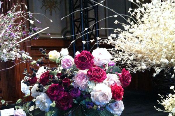 Lyon, capitale de la rose et de la soie ... des fleurs de soie à admirer durant le festival SILK IN LYON. A découvrir : l'art délicat du Hanamayu, venu du Japon.
