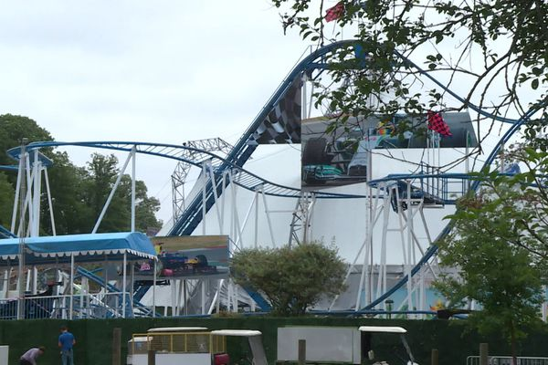 La mère de famille a été éjectée du Coaster Formule 1 du parc Saint Paul près de Beauvais dans l'Oise. Elle est décédée malgré l'intervention des secours.