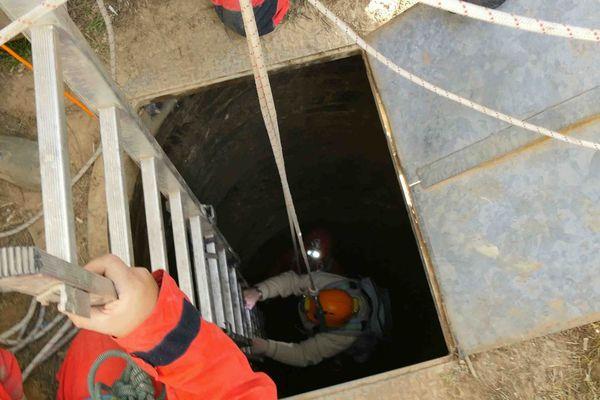 Puits pour accéder à la carrière souterraine de Fleury-sur-Orne