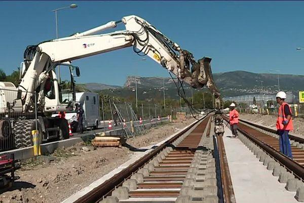Le coût total des travaux du tramway niçois s'élèverait à plus de 900 millions d'euros.