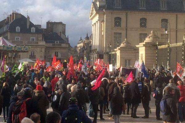 Le départ de la manifestation à Dijon, ce 12 décembre en début d'après-midi