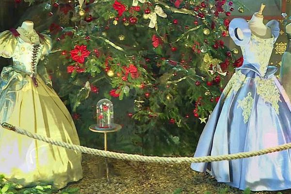 Dix robes de princesses sont présentées au château de Blois jusqu'au 5 janvier.