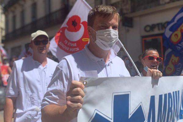 A Montpellier, les ambulanciers qui se sentent délaissés, sont en tête du cortège - 30 juin 2020