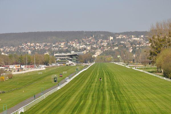 L'arrêt des courses prévue en 2019 assombrit l'avenir de l'hippodrome de Maisons-Laffitte dans les Yvelines.