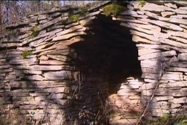 Les cabottes sont ces abris en pierre sèche, qui permettaient aux vignerons de se mettre à l'abri