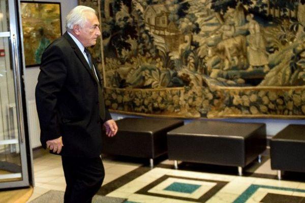 DSK dans son hôtel à Lille le 11 février.