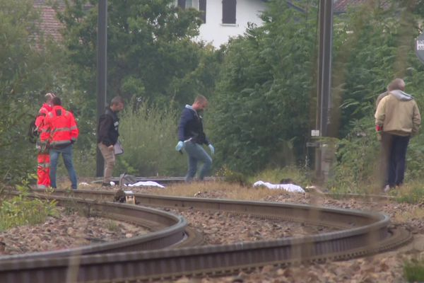 Sur les lieux de l'accident à quelques centaines de mètres de la gare de Saint-Jean-de-Luz au Pays Basque. La frontière espagnole est à une dizaine de kilomètres de là.