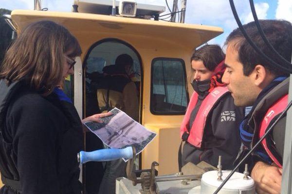 Des élèves ingénieurs profitent du lac de Guerlédan pour établir des cartographies