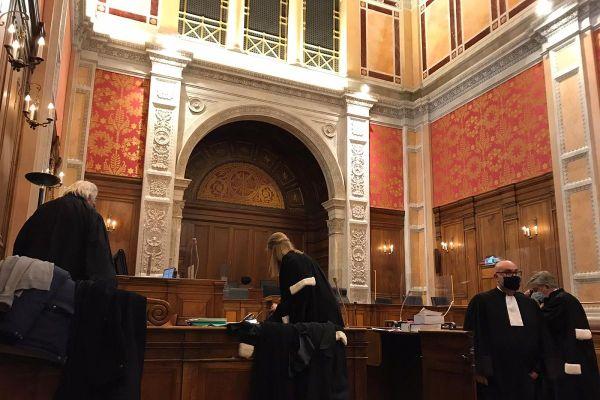 Trente ans de réclusion criminelle ont été requis à l'encontre des 2 accusés Berkane Makhlouf et Cécile Bourgeon, ce mardi 15 décembre, lors de la 11ème journée du procès Fiona.