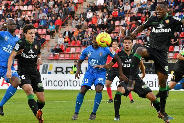 En match en retard, Béziersa obtenu un important match nul face à Lens qui a laissé passer l'occasion de prendre la tête de la Ligue 2.