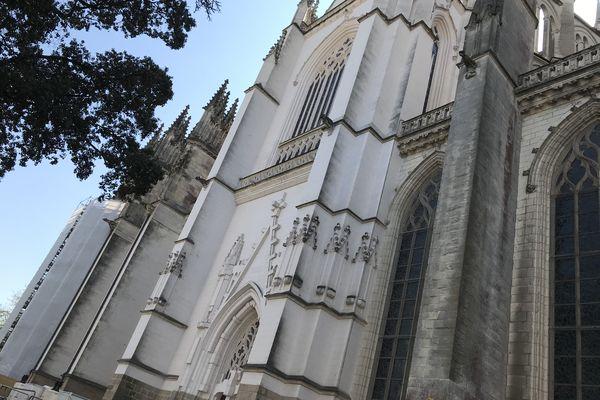 Les travaux de rénovation à l'extérieure de la cathédrale Nantes, engagés avant l'incendie.