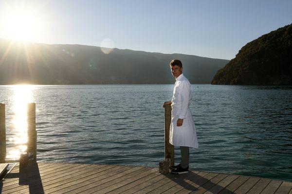 Jean Sulpice, sur les bords du lac d'Annecy