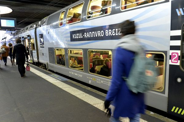 Le trafic SNCF sera perturbé jusqu'en milieu de journée, en Bretagne, suite au passage de la tempête Alex