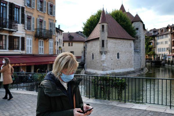 Illustration. Le port du masque reste obligatoire dans le centre-ville d'Annecy jusqu'au 30 juin.