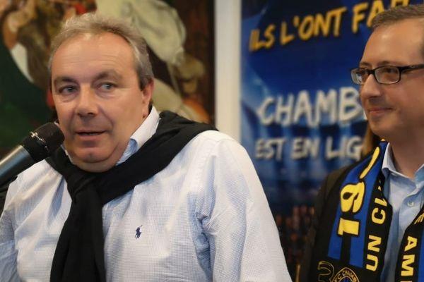 Fulvio Luzi, président du FC Chambly-Oise, accompagné du maire PS de la ville, David Lazarus.
