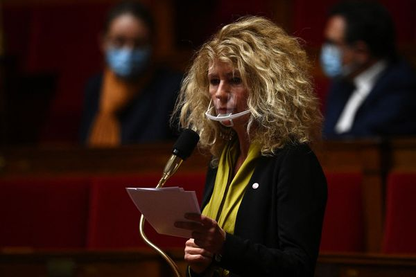 """La députée ex LREM du Bas-Rhin, médecin et membre de""""Laissez les médecins prescrire""""  prendra la parole dimanche à Quimperlé."""