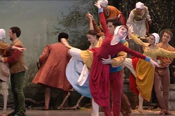 Giselle sur la scène de l'opéra Berlioz à Montpellier