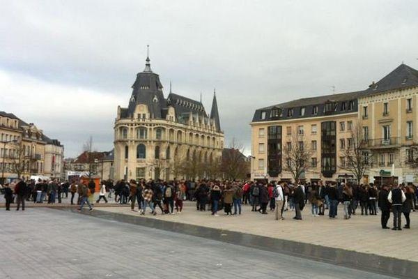 Rassemblement de jeunes à Chartres ce lundi en hommage aux victimes des attentats de Paris