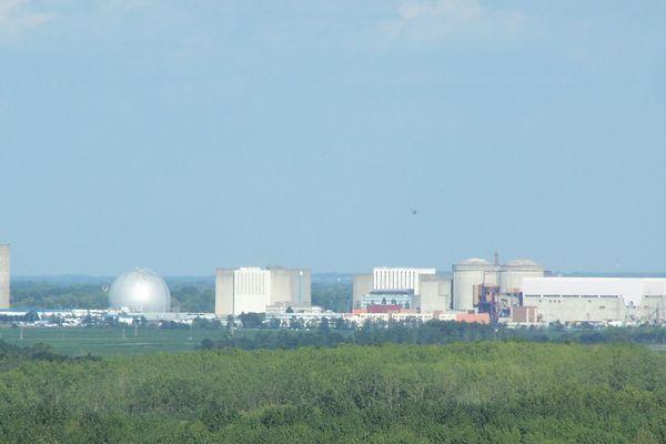 La centrale nucléaire de Chinon en Indre et Loire