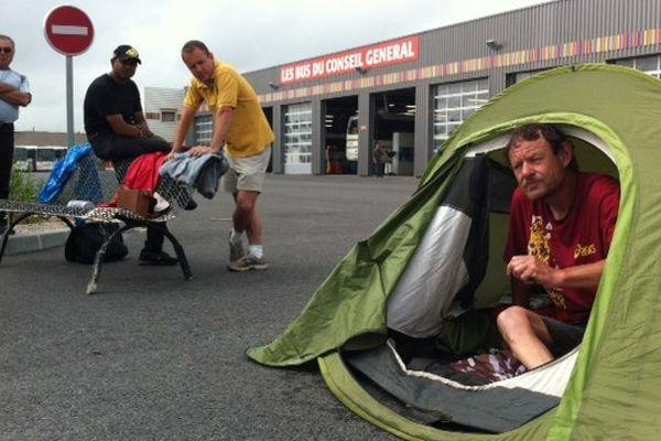 Perpignan - un chauffeur de cars en grève de la faim - 18 juin 2013.