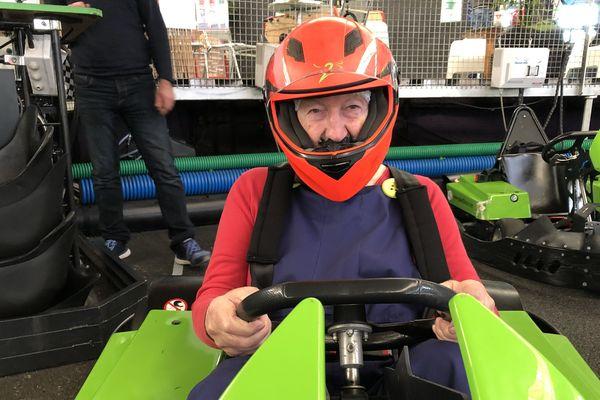 Pierre Coudert, 93 ans, résident de l'Ehpad des Campellis à Champeix, dans le Puy-de-Dôme, était déguisé en Mario kart pour le Grand prix de karting de l'Ehpad lundi 29 avril.