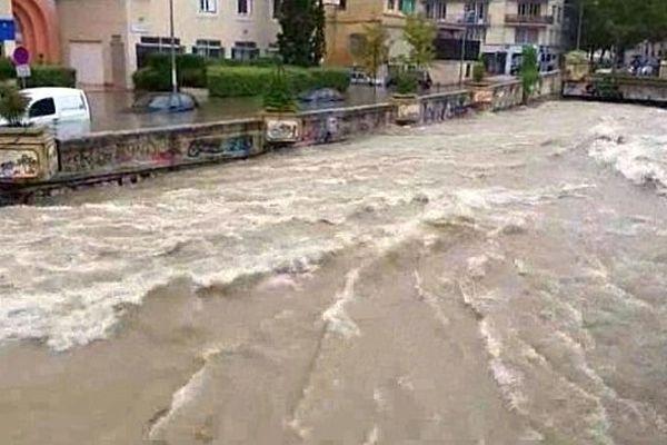 Montpellier - le ruisseau du Verdanson transformé en torrent - 29 septembre 2014.