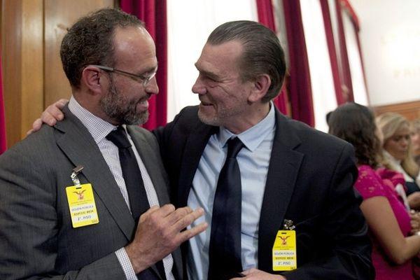 La joie de Agustin Acosta et Frank Berton, avocats de Florence Cassez, mercredi 23 janvier 2013.