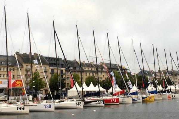 Les bateaux de la Normandy Channel Race sont déja visibles quai Vendeuvre, à Caen