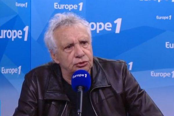 Michel Sardou sur Europe 1 ce vendredi matin. Un petit tacle pour Louane...