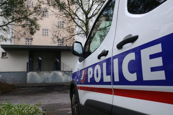 La victime, âgée de 59 ans, circulait sur les voies réservées aux bus et vélos