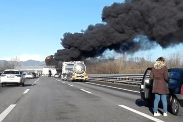 L'accident s'est produit sur l'autoroute A21 en Italie dans le secteur de Brescia.