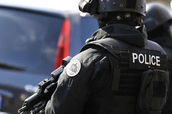 Le tireur a été interpellé vendredi 18 juin à 4 h du matin par le RAID.