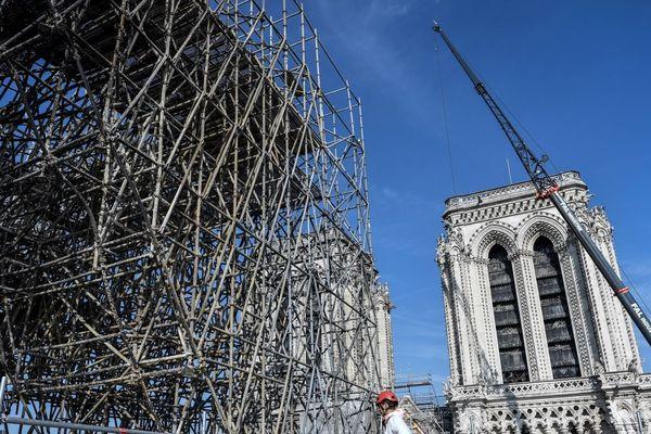 Au sommet du chantier de Notre-Dame lancé après l'incendie (fin juillet).