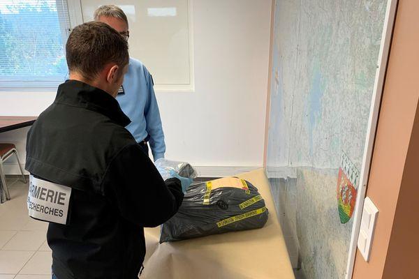 Au total les enquêteurs ont saisi plus de 100 kilos de cocaïne le long du littoral Atlantique. Les paquets arrivent au fil des marais, comme ici, ce dimanche 10 novembre, à Pornic en Loire-Atlantique.