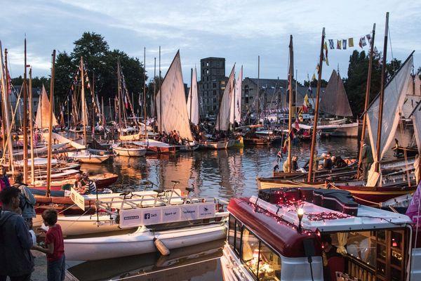 La flotte rassemblée au port de Nort-sur-Erdre/Les Rendez-vous de l'Erdre