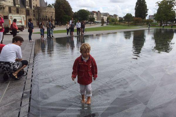 Il aura fallu un an de trouver pour créer le miroir d'eau du château des Ducs à Nantes