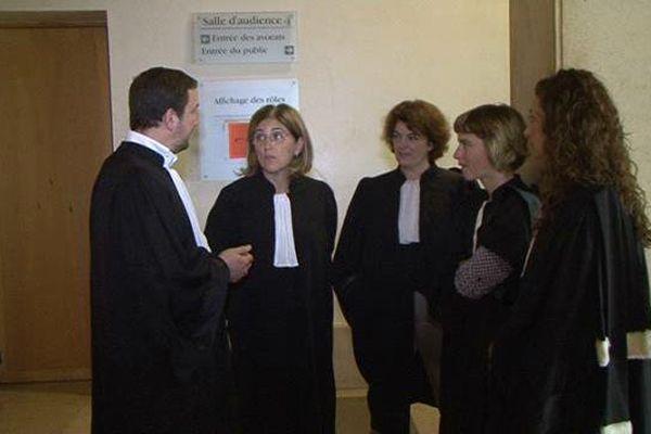 Les avocats des barreaux d'Aix en Provence  et Marseille mobilisés dans ce bras de fer avec la Garde des sceaux.