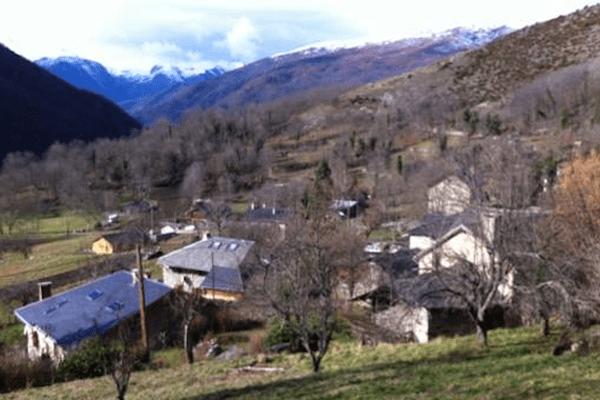 Vue de Miglos dans l'Ariège