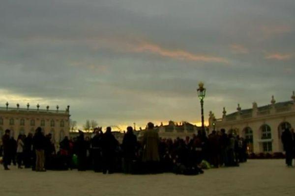 """Organisation de la """"Nuit Debout"""", Place Stanislas."""